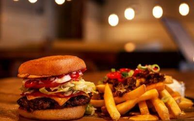 De bästa restaurangerna när du vill äta hamburgare i Stockholm