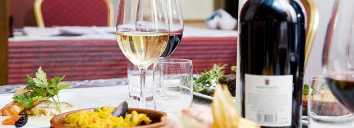 Njut av julbord och fest på Restaurang Andalucia
