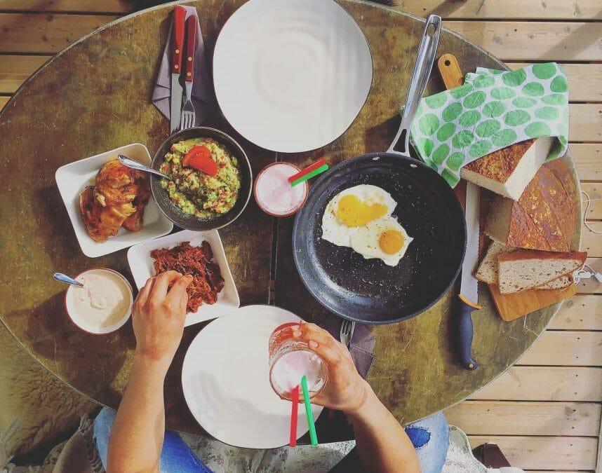 Glorious Holiday Meal at an Älta's retreat