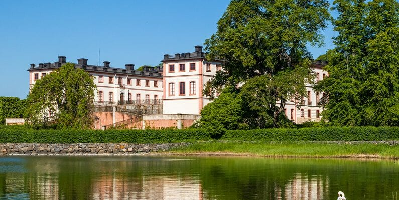 Castles and palaces in Stockholm-featured
