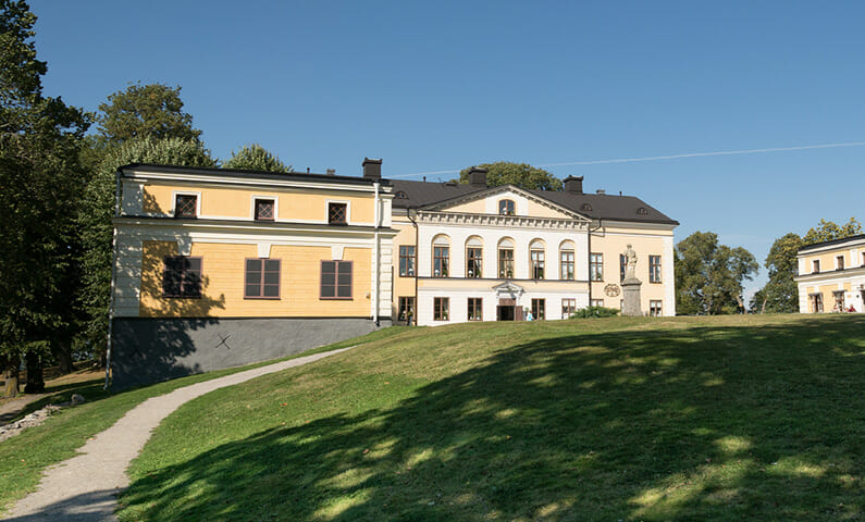 Taxinge Castle