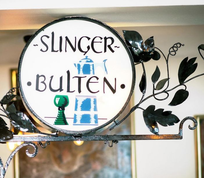 A Cozy Dinner at Slingerbulten in Old Town