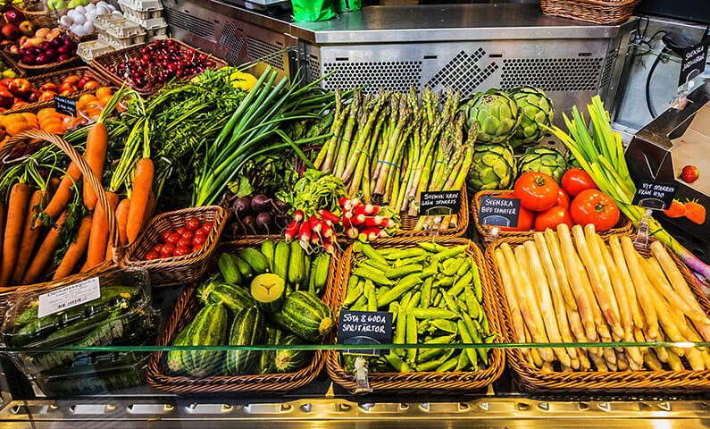 Matmarknaden Östermalms saluhall i Stockholm