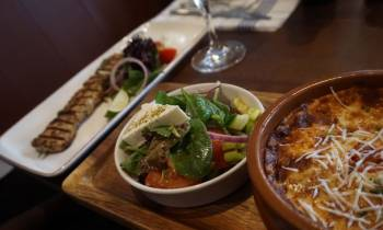 Extending summer with Greek vibes and food at cozy Esperia